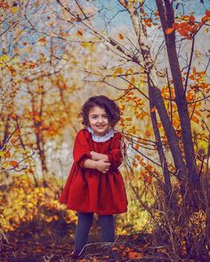 Children photography outdoors childhood New ideas Cute Kids Pics, Cute Love Images, Cute Baby Girl Pictures, Cute Girls, Cute Little Baby Girl, Little Girl Photos, Cute Babies Photography, Children Photography, Cute Baby Wallpaper