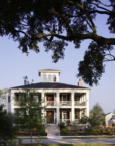 Settlers of the South began building double front porches, mimicking the look of their Palladian ancestors. Two symmetrical floors with columns became the look of the day. The tradition has stuck, as evidenced by this 2006 Southern Living ideahouse built on Charleston's Daniel Island.