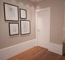 Resultado de imagem para rodapé branco com porta de madeira