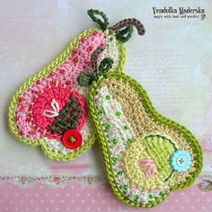 This cute patchwork pear appliqué is great for embellishment of any crocheted or sewn project :-) Just make your projects unique!  *This is a crochet