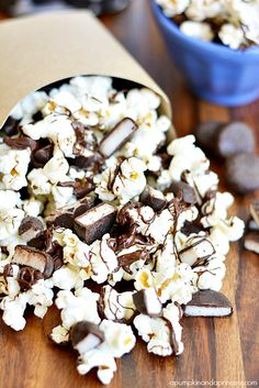 Peppermint Patty Chocolate Popcorn