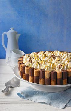 Waffelröllchen-Eierlikörtorte Aesthetic Food, Creative Cakes, Mole, No Bake Desserts, Food Videos, Popsugar, Waffles, Cake Recipes, Cereal