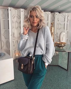 "40.9k Likes, 238 Comments - Laura Jade Stone (@laurajadestone) on Instagram: ""Keeping it casual Wearing @misspap #misspap #offdutyleisure ✨"""