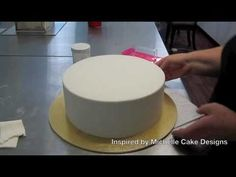 how to get sharp edges when covering a fondant cake Part 3 of 3 Inspired by Michelle Cake Designs