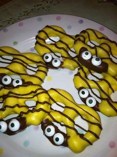 Chocolate Dipped Bumble Bee Pretzels
