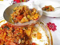 Eredeti szerb gyuvecs, olyan mint a lecsó, csak hús is van benne! Pork Recipes, My Recipes, Favorite Recipes, Curry, Food And Drink, Ale, Healthy Eating, Soup, Mint