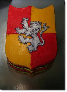 harry potter cake @Liz Mester Mester , you must be thinking or throwing a HP party!