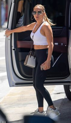 Jennifer Lopez showcases fit figure while shopping in Beverly Hills with her daughter Emme | Daily Mail Online
