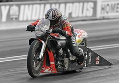 Eddie Krawiec wins Harley-Davidson's fifth drag racing title for the 2011 season. | Harley-Davidson 2011