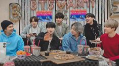 Vlive Bts, Jungkook V, Bts Bangtan Boy, Bts Boys, Namjoon, Taehyung, Los Grammy, Bts Header, Bts Group Photos