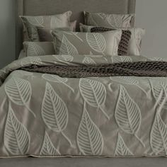 Bring a touch of class to your bedroom with our Jaxon quilt cover set. Incorporate a large leaf design palette with corded boarders...#quiltcovers #doonacovers #superkingquiltcovers #superkingbedlinen #bedlinen #linen #bedding #kingsheets #superkingsheets #quiltcover #homedesign #leaf Double Quilt, Superking Bed, Single Quilt, Design Palette, King Sheets, Queen Quilt, Australia Living, Quilt Cover Sets, King Beds