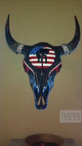 Artist and TV show host Jana Waller displays her painted and beaded animal skulls. Deer Hunting Decor, Painted Animal Skulls, Cow Skull Art, Cow Head, Native American Crafts, Skull Painting, Beaded Animals, Beaded Skull, Deer Antlers