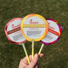 Chick-Fil-A Sauce Lollipops - posted on so my only hope is that this is an April Fool's joke! Duck Dynasty Family, Chick Fil A Sauce, Sauce Barbecue, Christian Post, Fast Food Chains, Chicken Sandwich, April Fools, Desert Recipes, The Fool