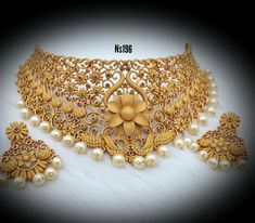 Senco Gold Necklace Set Collection With Price amid Jewellery Shops Florence every Ruby Necklace Set Malabar Gold rather Jewelry Stores Near Me Buy Diamonds, Jewellery Exchange Street Manchester Indian Wedding Jewelry, Indian Jewelry, Bridal Jewelry, Gold Jewellery Design, Gold Jewelry, Jewelery, Diamond Jewellery, Gold Bangles, Necklace Set