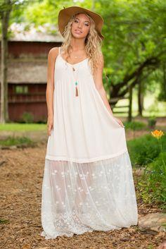 https://www.shopthemint.com/products/summer-dreams-maxi-dress-cream?via=5739d395faac9474cf0065e9,5739d395faac9474cf0065ea