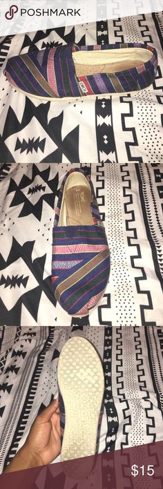 TOMS shoes Multi colored striped TOMS size woman's 8 TOMS Shoes Flats & Loafers