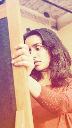 Shraddha Kapoor Saree, Sraddha Kapoor, Paris Wallpaper, Framed Wallpaper, Indian Celebrities, Bollywood Stars, Beautiful Actresses, Bollywood Actress, Indian Actresses