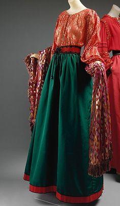 "YSL evening ensemble, ""Opéra Les Ballets Russes"" Haute Couture collection, fall 1976. #dancefashion Via The Metropolitan Museum of Art."