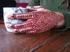 Jewish Henna Pattern - by heartfirehenna.com. love that diamond, Geometrical pattern