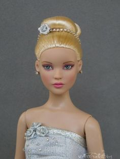Flamingo: in silver dress and jewelry #pinned #new to dollduels.com #dollchat  submitted by Veronika Faltova