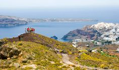 Greek Island Hopper: Hike the Cyclades Islands Places To Travel, Places To Go, Greek Isles, Greece Islands, Viera, Adventure Is Out There, Dream Vacations, Adventure Travel, Hiking Trips
