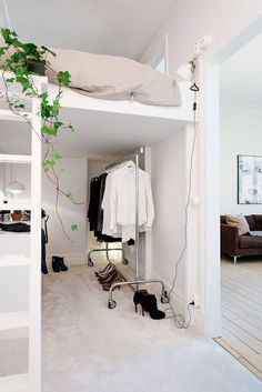 Lit en mezzanine adulte gentil is one of images from lit mezzanine dressing. This image's resolution is pixels. Find more lit mezzanine dressing images like this one in this gallery Small Space Living, Small Spaces, Small Rooms, Small Bathrooms, Small Kitchens, Open Spaces, Home Bedroom, Bedroom Decor, Bedroom Ideas