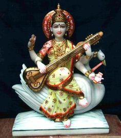 Saraswati Statue, Saraswati Goddess, Goddess Art, Durga, Hanuman Chalisa Mantra, Hindu Dharma, Radha Krishna Wallpaper, Divine Mother, India Art