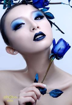 宝石蓝魅惑