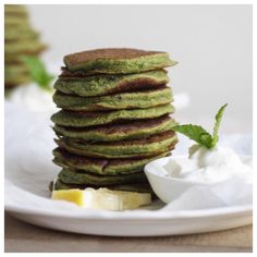 Matcha (@matcha_maiden) pancakes anyone  So delicious and such a great way to boost your antioxidants. Recipe is on the app in the PANCAKE category... Yep that's right. We have an entire category dedicated to pancakes! #healthsynergyapp by healthsynergy