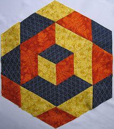 PATCHWORK ARTE EM TECIDOS: CUBO TRIDIMENSIONAL Patchwork Quilting, Seminole Patchwork, 3d Quilts, Barn Quilts, Patch Quilt, Tie Quilt, Geometric Quilt, Hexagon Quilt, Tumbling Blocks Quilt