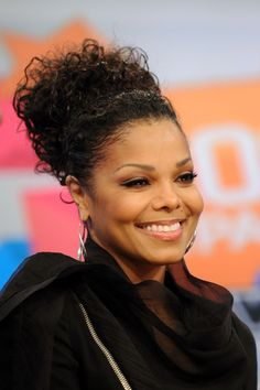 Janet. I copied this hair.