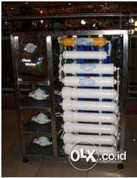 sand water Filter adalah salah satu toko online yang menjual berbagai jenis mesin air minum RO (Reverse Osmosis) dari yang kapasitas rumah tangga sampai dengan depot air minum, berkapasitas 120 galon / hari penggunaan dapat langsung dari Air sumur pompa dan pam Bagaimana produk yang kami jual dapat melindungi keluarga anda?  Hubungi : - 08990055977 - 082126287036 Jl. Ters.Derwati No.63 Ciwastra Bandung