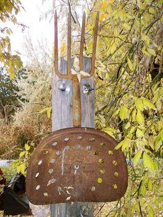 back yard art Garden Crafts, Garden Art, Garden Ideas, Metal Projects, Metal Crafts, Metal Yard Art, Metal Art, Tractor Seats, Farm Tools