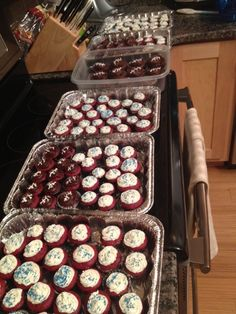 how to bake for 100 football players