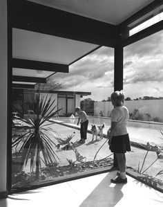 Courtyard with swimming pool at Byers House, crn Tambu and Oxley Sts, St Ives, 1966. Bill Baker builder. Kerry Dundas photo.
