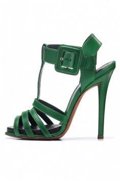 http://www.blog-chaussures.fr/2012/04/collection-chaussures-roger-vivier-printemps-ete-2012/ Superbes sandales vertes Roger Vivier
