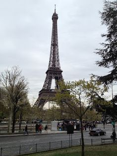 Eiffel Tower, Paris.  My dream vacation! i know it will come true! someday;)
