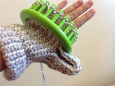 OMG!!! That's how you do thumbs!!!  Ravelry: Project Gallery for One Loom Mitten pattern by Amy Kay