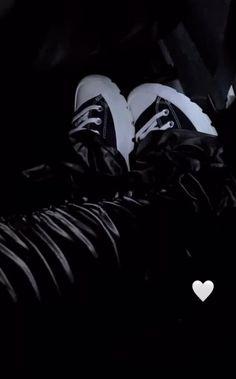 Jordan Shoes Girls, Girls Shoes, Freaky Mood Pics, Shoes Gif, Black Girl Aesthetic, Photo Dump, Streetwear Fashion, Hand Tattoos, Baddies