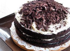 Torta Feliz Cumpleaños, Oreo!!! <3 http://www.meencantaelchocolate.com/2014/07/como-hacer-unas-deliciosas-panquecas-de.html