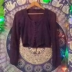 I just discovered this while shopping on Poshmark: Vintage 76 Led Zep Bohemian Belly top. Check it out! Price: $12 Size: 2