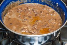 Ovenschotel met stoofvlees en rodekool - Keuken♥Liefde Curry, Pasta, Ethnic Recipes, Food, Curries, Meals, Noodles, Yemek, Eten
