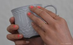 Two things: nails - look at the geometric nails on nude - nice detail. Sidebonus: see how the love ring is made! #DIY