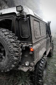 LR Defender - Off-road