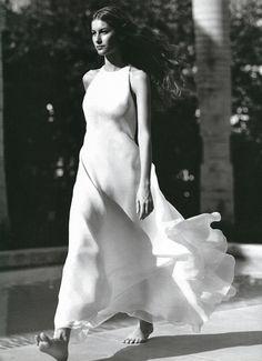 Gisele Bündchen photographed by Bruce Weber. Moda Fashion, 90s Fashion, Fashion Models, Vintage Fashion, 90s Models, Fashion Pics, Fashion 2020, Bruce Weber, Gisele Bundchen