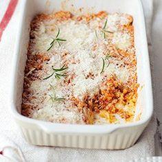 Zapiekany makaron z sosem bolońskim z indyka | Kwestia Smaku
