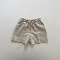 Cape Cod Shorts in Natural Linen Available in sizes Baby Boy Outfits, Kids Outfits, Cute Outfits, Baby Girl Fashion, Kids Fashion, Sewing Baby Clothes, Baby Shirts, Baby Wearing, Cape Cod