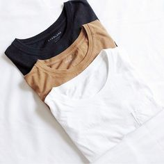 Do you need some capsule wardrobe fashion basics? Here are the top 5 sustainable ethical and eco-friendly fashion brands - buy less, buy better. Slow fashion every bit counts. Slow Fashion, Ethical Fashion, Fashion Brands, Fashion Tips, Fashion Basics, 70s Fashion, Fashion Today, Fashion Vintage, Korean Fashion
