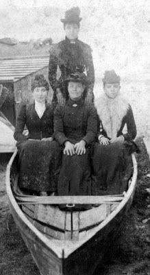 Tour Scotland Photographs: Old Photograph Four Women Boat Perth Perthshire Scotland