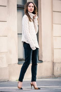Like the oversized sweater with skinny velvet pants - Big Knit Sweater - Ivory | Emerson Fry